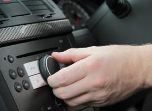 Auch das Autoradio erhöht den Verbrauch Ihres Autos.
