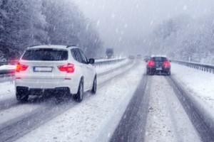 Ein warmes Auto im Winter ist angenehm. Das verbraucht aber mehr Benzin: Standheizung und Sitzheizung erhöhen die Spritkosten.