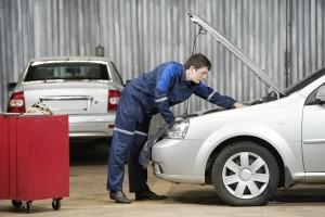 Haben Sie falsch getankt, übernimmt die Versicherung nicht die Kosten für nötige Reparaturen.