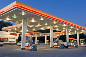 Tankstellen bieten auch Premiumkraftstoffe wie Shell V-Power an.