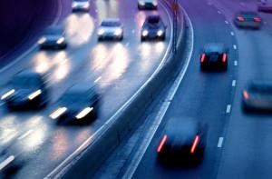 Sprit sparen auf der Autobahn: Mit diesen Tipps reduzieren Sie Ihren Verbrauch.
