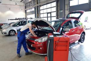 Wer Super in ein Fahrzeug mit Dieselmotor getankt hat, muss mit Schäden rechnen.